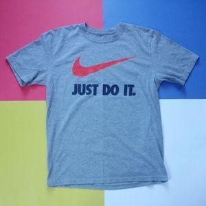 Nike Just Do It Large Swoosh Regular Fit Shirt